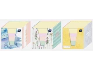Kostka papierowa kolorowa 90x90x90 mm w kubiku INTERDRUK
